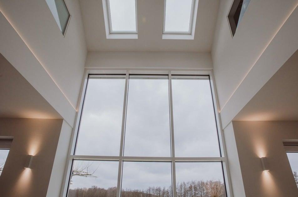 Glassfassade Neubau Herbst